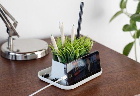 Trending Now: Modern Desktop Essentials