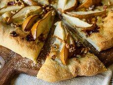Pear & Walnut Gorgonzola Pizza
