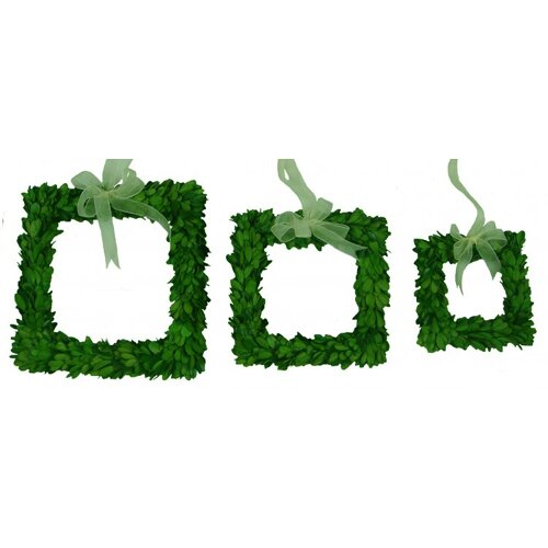 Boxwood Wreath Set Square with Ribbon