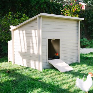 <strong>New Age Pet</strong> Jumbo Fontana Chicken Barn