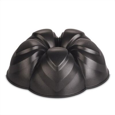 Tulip Flower Cake Pan by Berndes