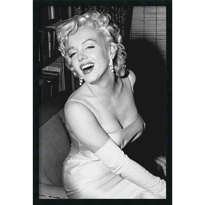 Amanti Art Marilyn Monroe Smiling Framed Photographic Print