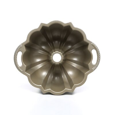 Nordic Ware Platinum 6 Cup Bundt Pan
