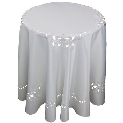 Hampton Round Tablecloth by Xia Home Fashions
