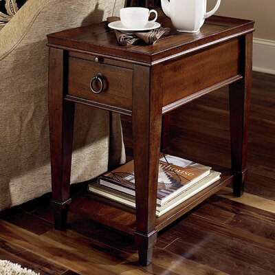 Sunset Valley Chairside Table by Hammary