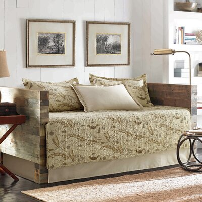 Map 5 Piece Daybed Quilt Set in Tan by Tommy Bahama Bedding