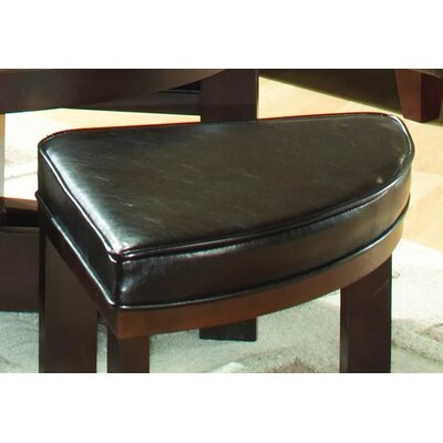 Woodhaven Hill 3219 Series Coffee Table With 4 Ottomans