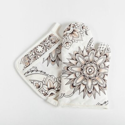 Henna Tattoo Oven Mitt and Potholder Set by Sin In Linen