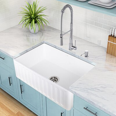 Laurelton Pull-Out Spray Kitchen Faucet Product Photo