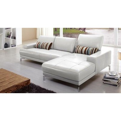 Beverly Hills Furniture Urban Sectional