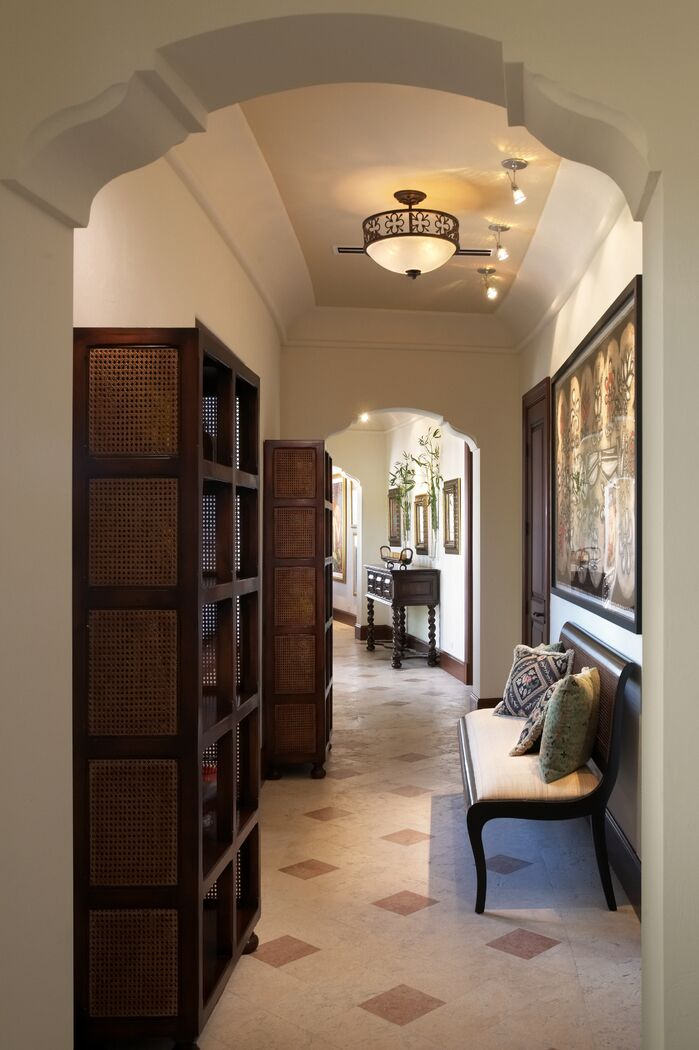 Traditional Entryway and Hallway photo by B. Pila Design Studio
