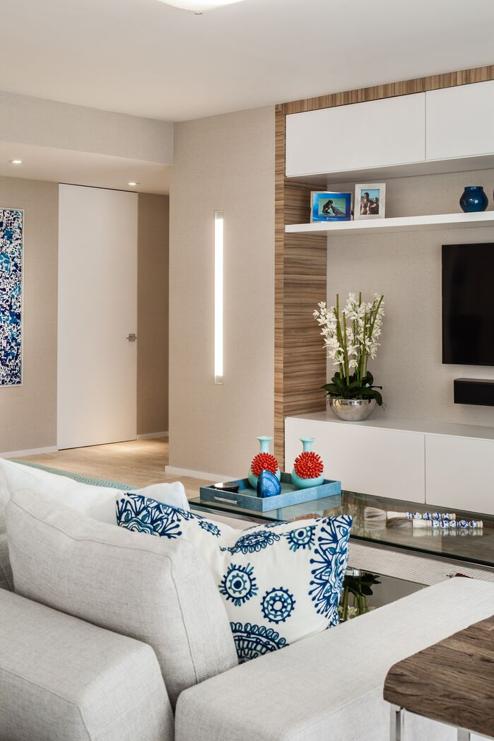 Modern Living Room photo by 2id Interiors