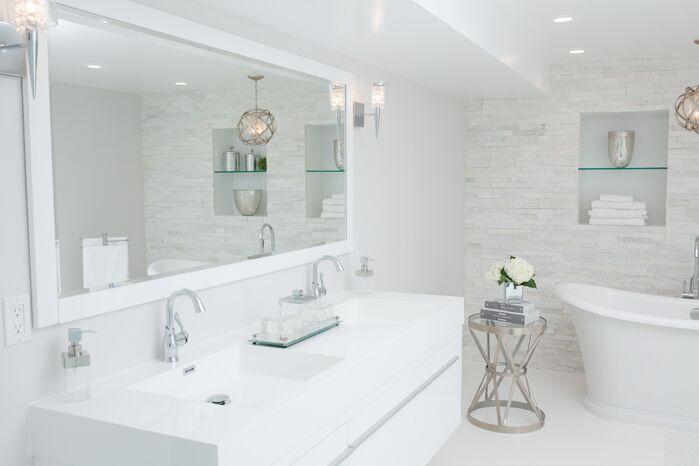 Contemporary Bathroom photo by Catherine Tonon Interiors