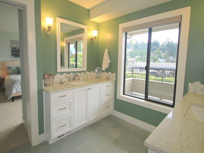 Coastal Bathroom photo by Hamilton Redesigns