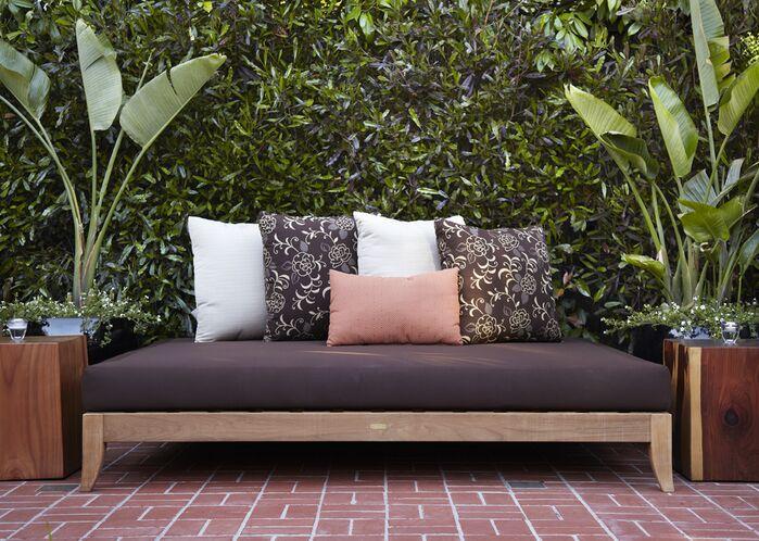Contemporary Exterior/Patio photo by Urrutia Design