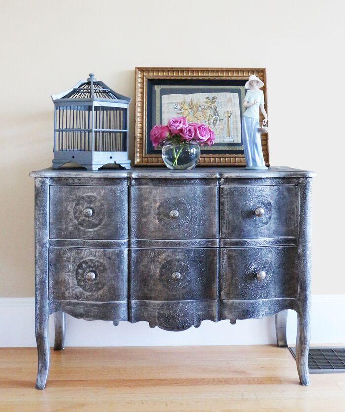Traditional Living Room photo by Victoria Elizabeth Design