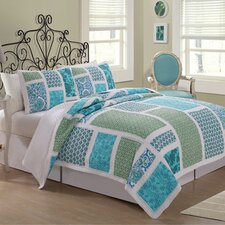 Belfast Quilt Set in Multi Colored