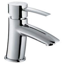 Single Hole Bathroom Faucet with Single Handle in Chrome
