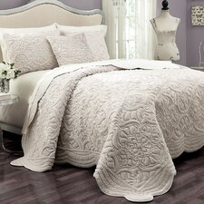 Vue Signature Plush Décor Charlotte Faux Fur Coverlet