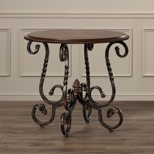 Daelyngridge End Table