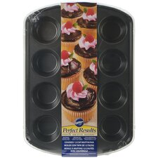Non-Stick 12 Cavity Covered Muffin Pan