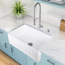 Laurelton Pull-Out Spray Kitchen Faucet