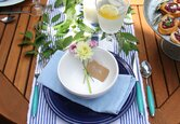 4 Ways to Host a Casual and Elegant Dinner Party