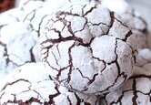 Christmas Cookies: Chocolate Peppermint Crinkle Cookies