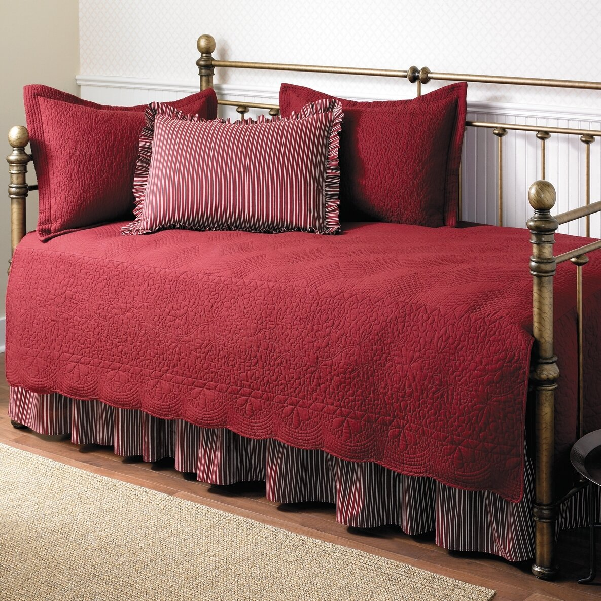 Stone Cottage Daybed 5 Piece Twin Trellis Quilt Set