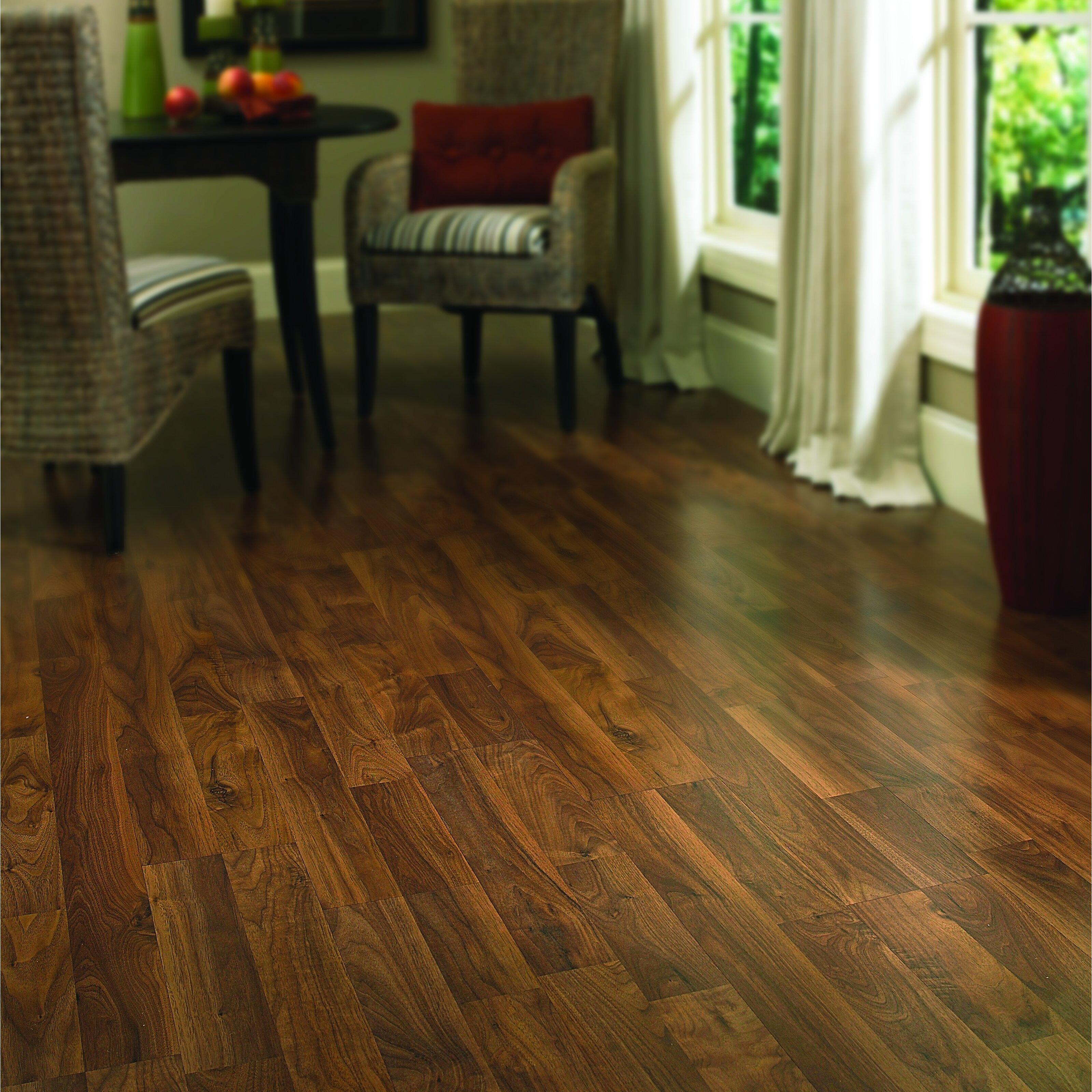 Columbia clic 8 x 47 x 8mm walnut laminate in heritage for Columbia clic laminate flooring reviews
