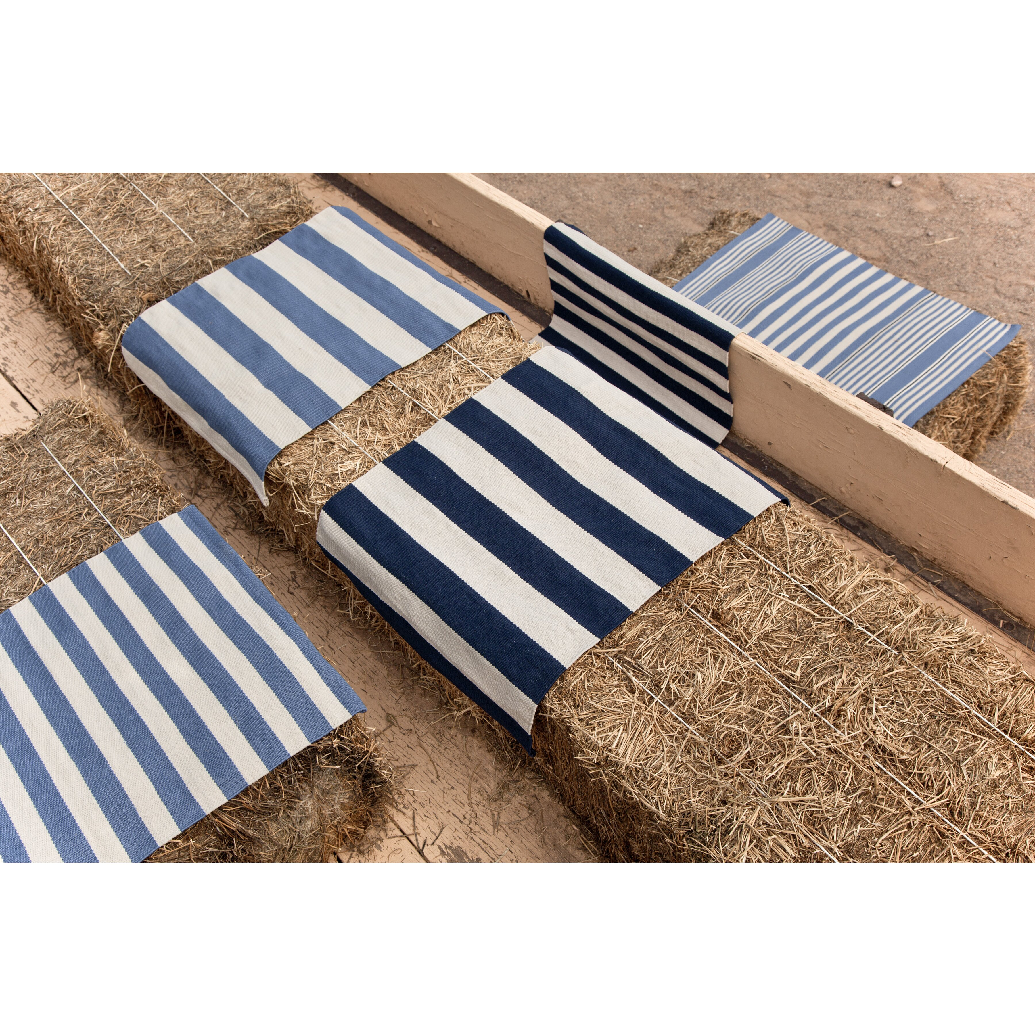 dash and albert rugs catamaran ivory navy striped area rug reviews wayfair supply. Black Bedroom Furniture Sets. Home Design Ideas