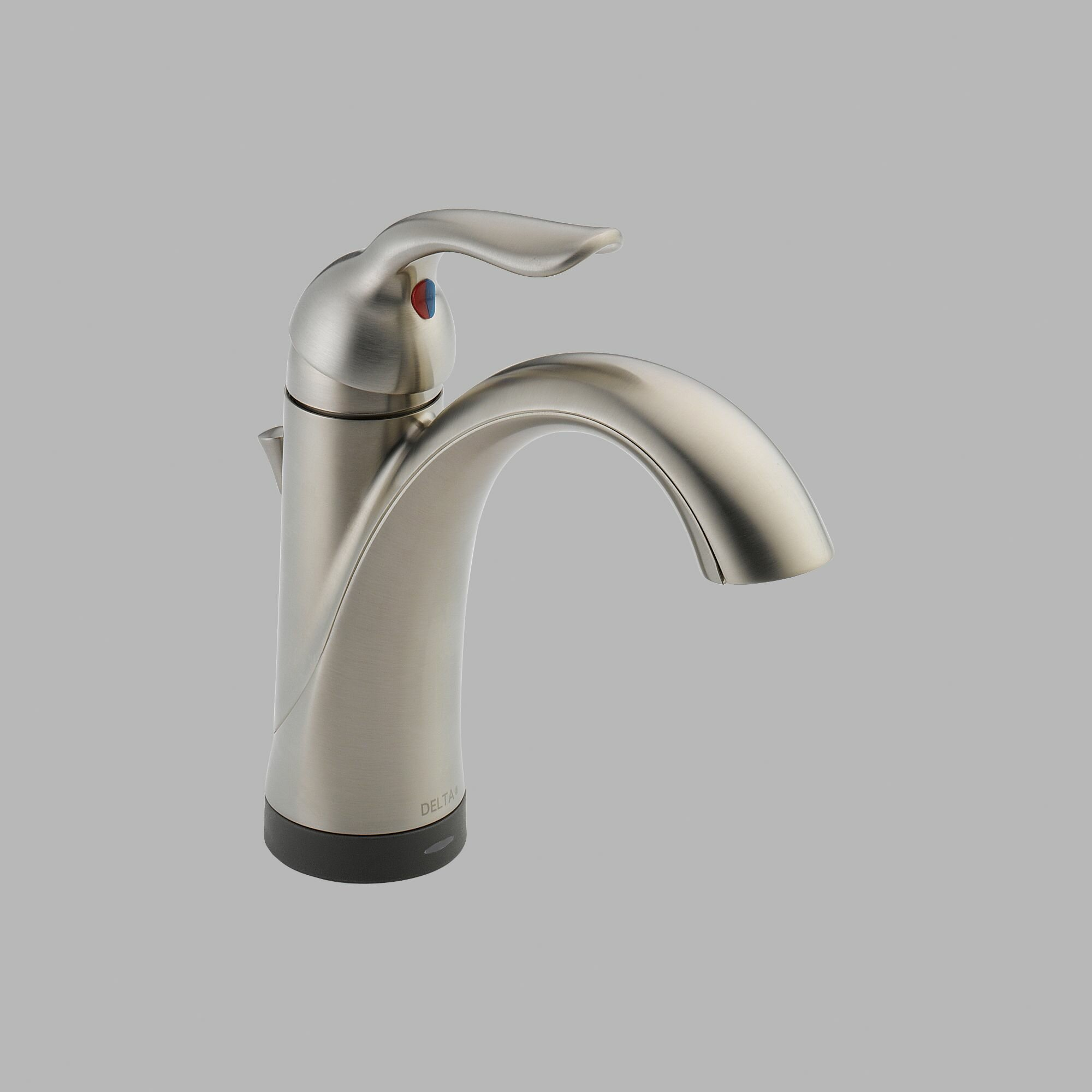 Delta Lahara Single Handles Centerset Standard Bathroom Faucet With Single Handle And Diamond